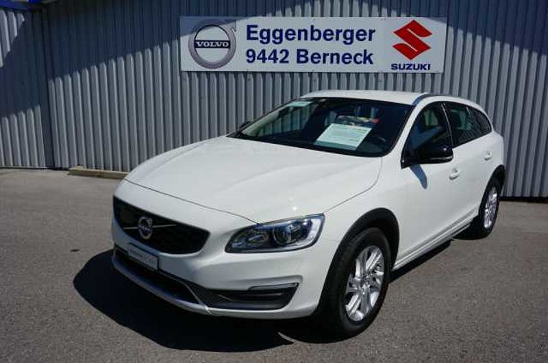 Volvo V60 Cross Country 2.0 D4 Momentum S/S